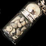 天然石チップ お守り瓶キーホルダー ダルメシアンジャスパー(Dalmatian Jasper)
