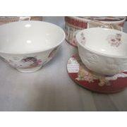 猫と花柄のご飯茶碗と湯のみ茶碗ギフトボックス入り
