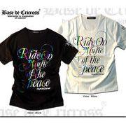 「Ride on Music」 レインボーストライプ箔プリントUネックTシャツ