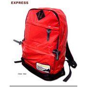 ★シンプルなデザインで使い勝手抜群!★通勤・通学のお供に最適なエナメルデイバッグ!★