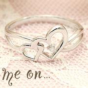 【me on...】K10ホワイトゴールド(WG)ダブルハートモチーフダイヤモンドリング