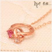【me on...】ピンクトルマリンが輝くK10ピンクゴールド(10金)・キュートなベビーリングネックレス