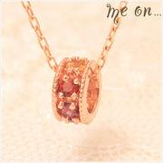 【me on...】K10ピンクゴールド(10金)・マルチカラーアミュレットベビーリング風ネックレス