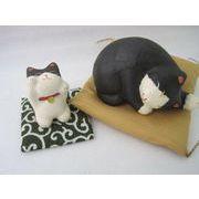 ちぎり和紙の 手作り眠り猫の置物