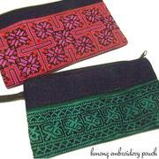 モン族の刺繍が美しいスクエア型のポーチ♪モン族フック付き刺繍ポーチ