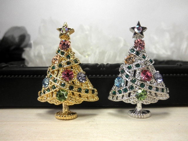 クリスマスツリーのラインストーンブローチ