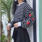 レディーストップス 刺繍入りボーダー柄 ボタニカルな花柄 萌え袖長袖トコート フェミニンなポイント