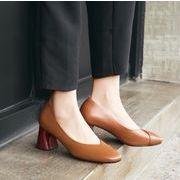 春の新品   復古パンプス V型 開口 すみつき 淺口 粗ハイヒール レザー  快適だ 疲れない 美脚靴