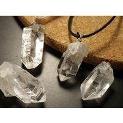 【粗品 お試し商品】天然水晶 クリスタルクォーツ ペンダント クォーツ Crystal Quartz 原石ペンダント