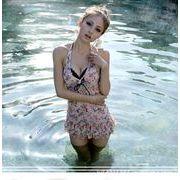 ★即納★女の子らしさ満点♪ワイヤー入り 花柄 ビキニ 3点セット 水着 泳ぎ服