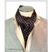 エレガントな袋縫いプリント柄入りメンズ用100%シルクスカーフ 10138c