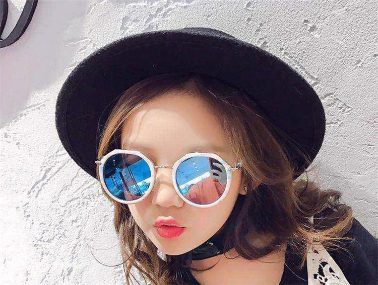 信じられない驚きの大特価 韓国ファッション/気質/個性/子供/UVカット/サングラス/男女兼用/流行