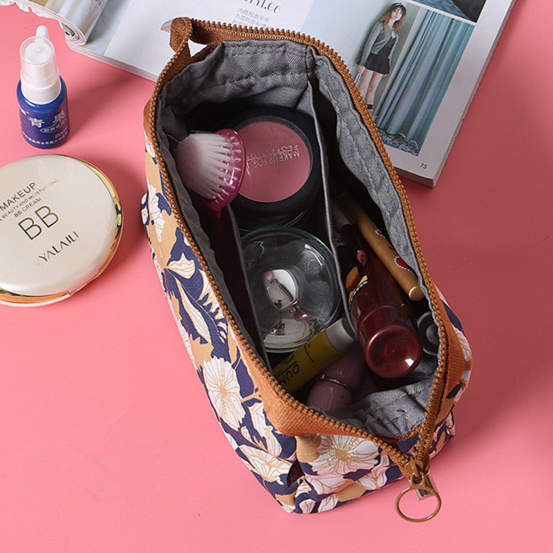 メイクポーチ コスメポーチ 収納バッグ 化粧ポーチ トラベルポーチ 多用途 大容量 旅行出張用