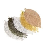 真鍮製 チャーム 葉脈 葉 ゆらゆら 5色 選べる8タイプ イヤリング ピアス シンプル デコパーツ