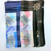 【日本製】【スカーフ】シルクサテンストライプ生地ユーラシア柄日本製四角大判スカーフ
