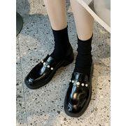 靴 女靴 春 小さな靴 女性英国スタイル アンティーク調 パール 厚底 スリップ ローフ