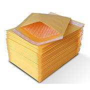 封筒配送用  クッション素材 プチプチ 緩衝材エアキャップ付   小物入れ発送用品