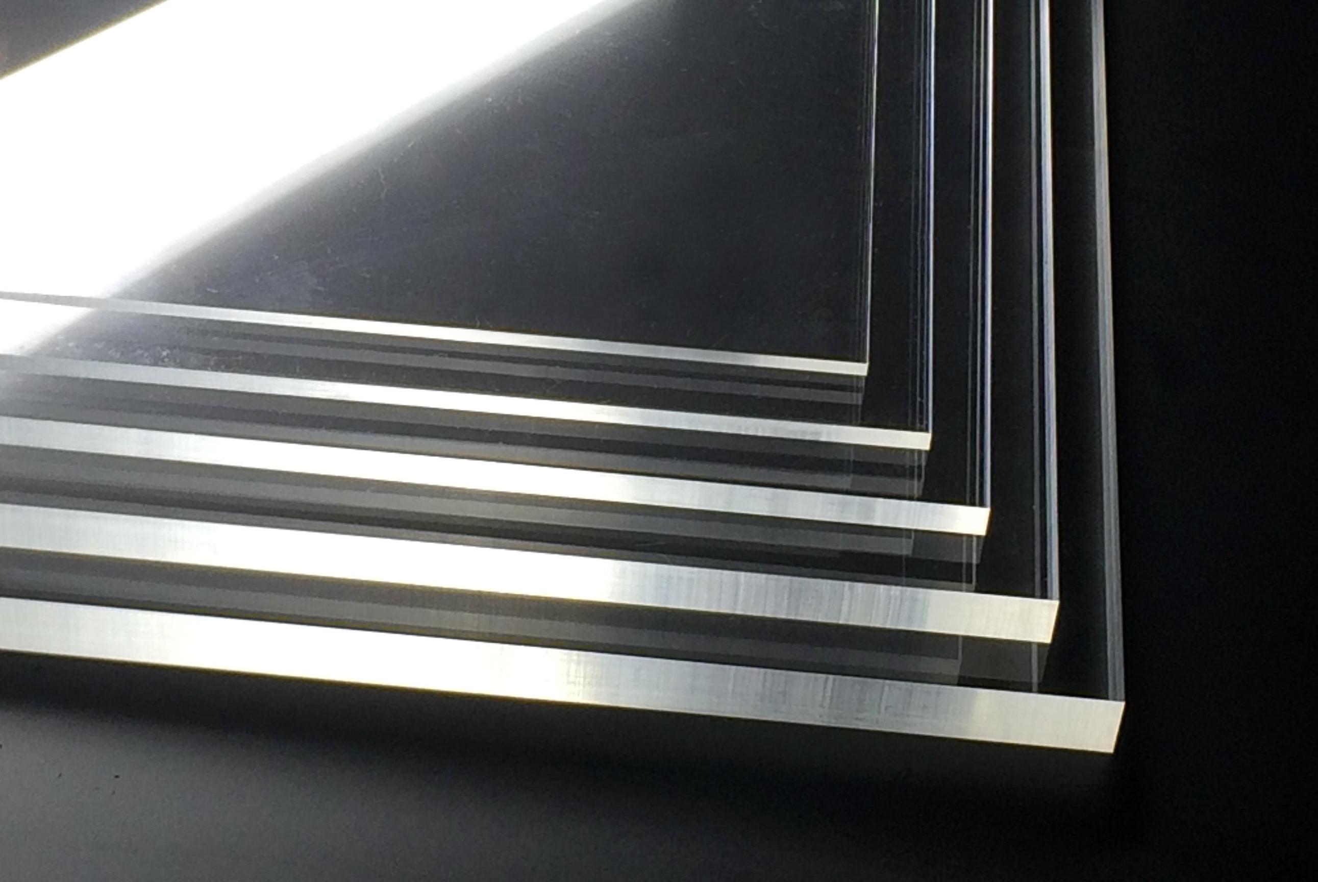 厚み アクリル 板