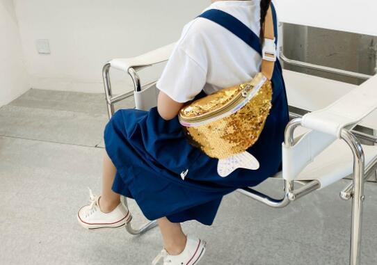 バッグ 鞄 カバン 斜め掛け 腰掛け キッズ 子ども かわいい 個性 トレンド 人気
