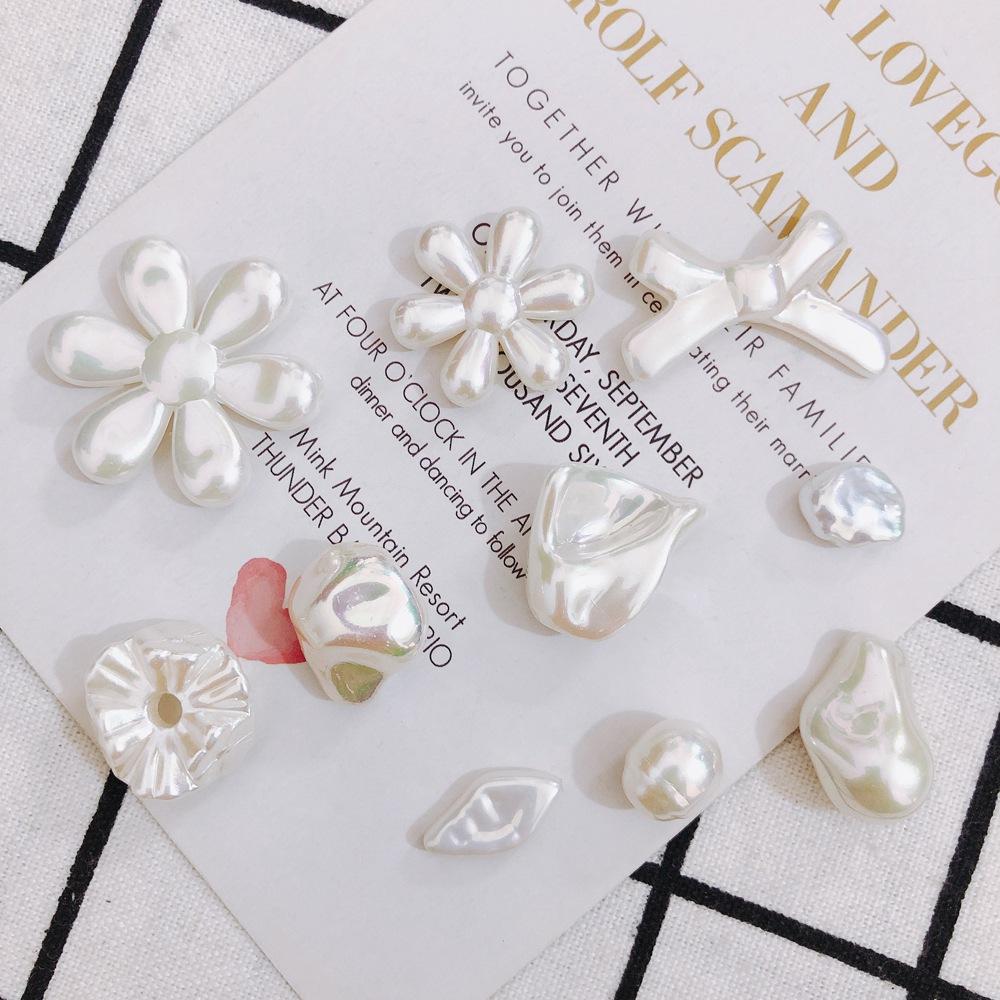 ビーズ 白 ホワイト パール調のアクリルビーズ アクリルパーツ 花 アクセサリーパーツ リボン 変形