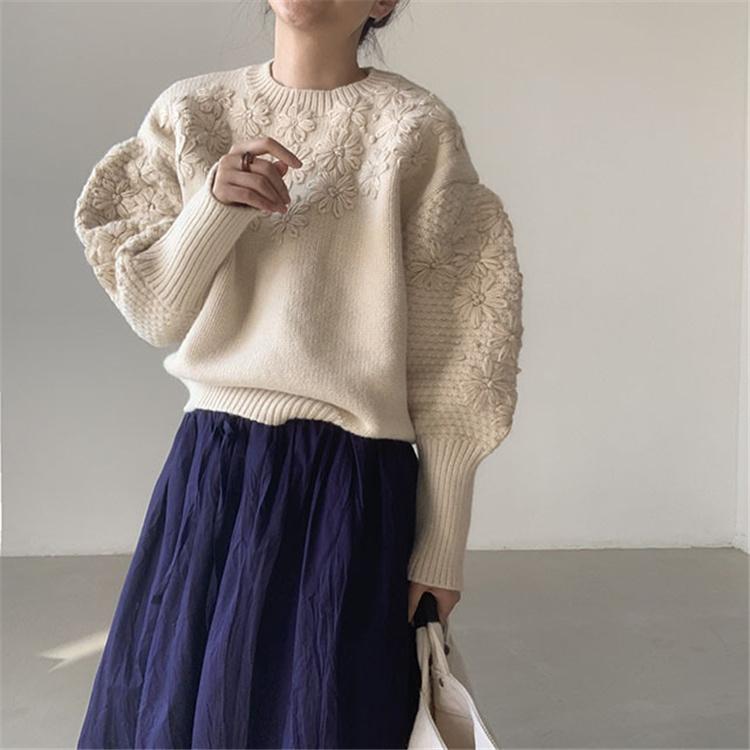 通勤する2021 冬 新品 小さい新鮮な手作りししゅう 立体 リトルデイジー ニット セーター百掛け おしゃれな
