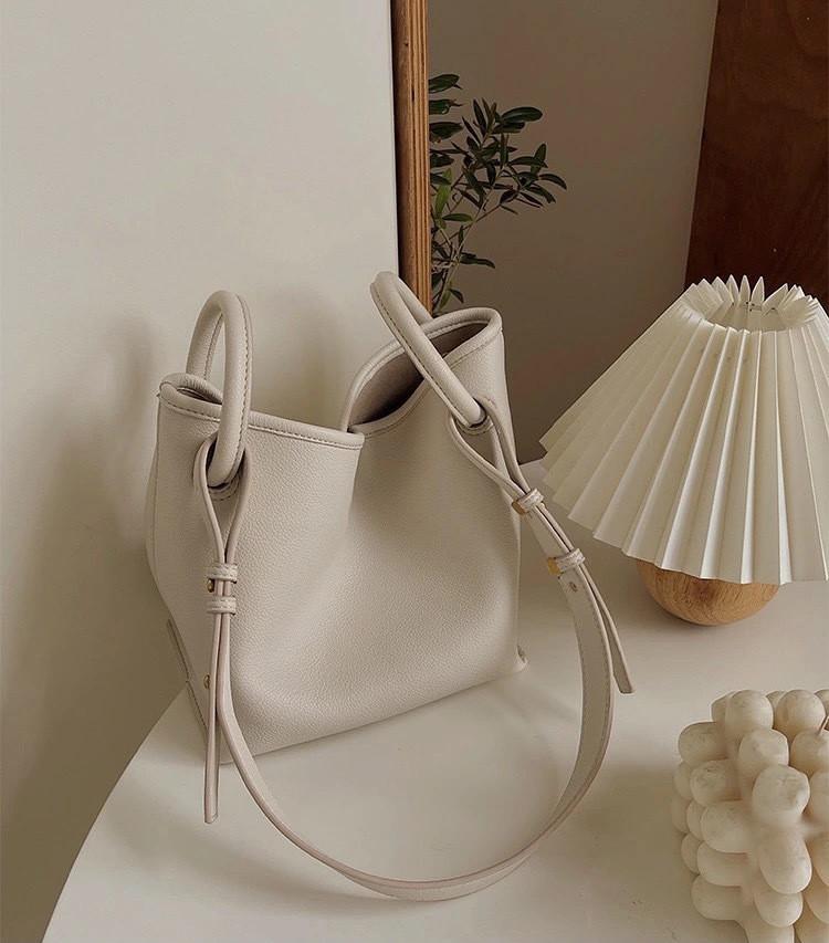 トートバッグ ハンドバッグ 人気バッグ 芸能人愛用のバッグ韓国ファッション レディース